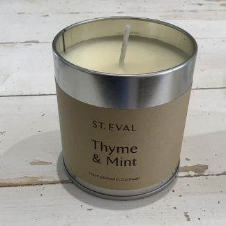 St eval candle in tin