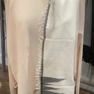 Grey and white graphic print scarf