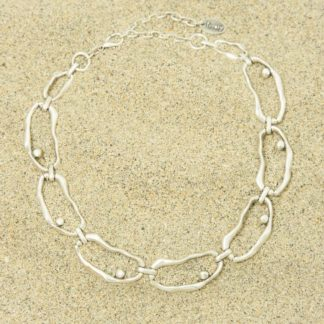 Irregular shaped chain link necklace